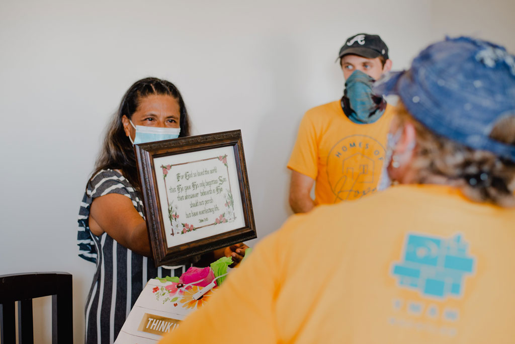 Mazatlan woman receives a special gift from a YWAM Mazatlan Homes of Hope team